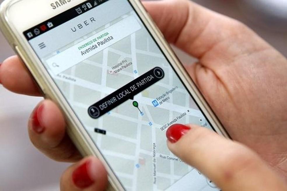 Uber passa a cobrar taxa fixa de R$ 0,75 por viagem