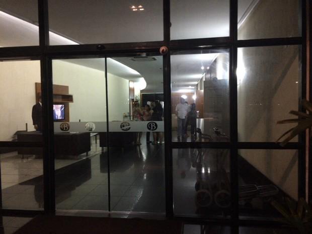 Hotel Bristol, em Vitória, onde estão sobreviventes e parentes de vítimas de explosão em navio-plataforma (Foto: Naiara Arpini/G1)