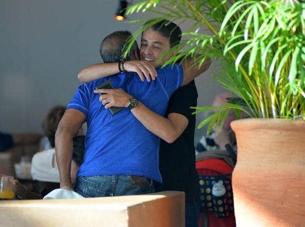 Bebeto encontra Romário em shopping do Rio (Foto: William Oda / AgNews)