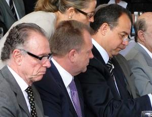 Carlos Arthur Nuzman, Marius Vizer e Sergio Cabral em evento d ejudo (Foto: Helena Rebello Coelho Gomes / Globoesporte.com)