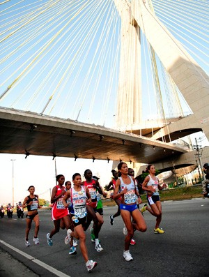 Pelotão de elite feminino Maratona de São Paulo  (Foto: Fábio Ura/ ZDL)