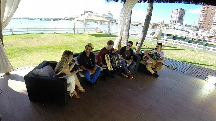 Waldonys, França, Ohara Ravick e Luis Marcelo e Gabriel em encontro musical. (Foto: TV Verdes Mares)