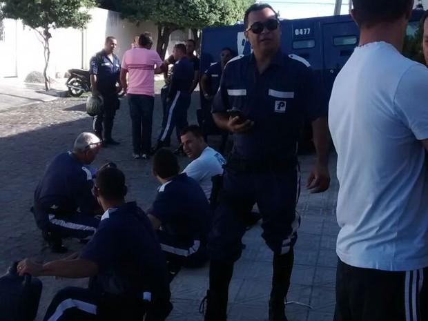 Seguranças protestam em Petrolina (Foto: Cassiano Souza/Arquivo pessoal)