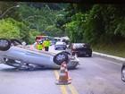 Motorista perde o controle da direção e capota na RJ-116, em Friburgo, RJ