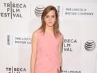 Emma Watson e Katie Holmes vão a pré-estreia de filme