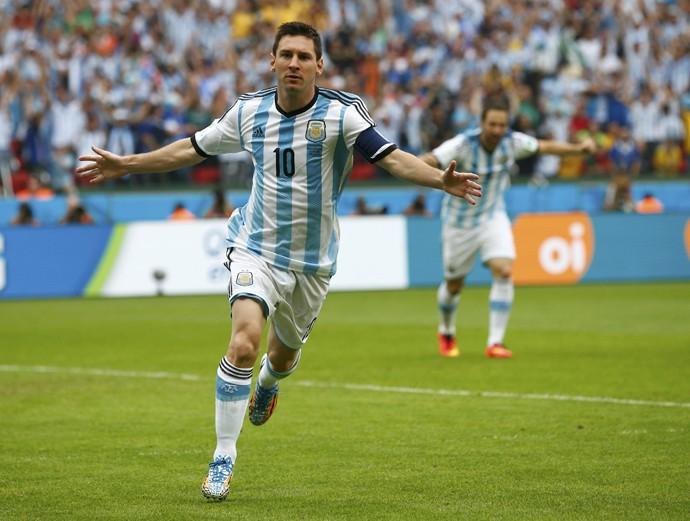 14º dia  Messi garante vitória e festa argentina  em casa  c30eb9126c635