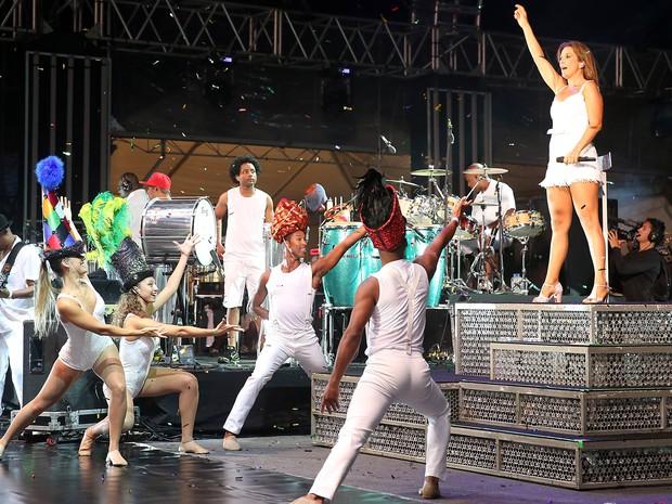 Ivete Sangalo canta no palco central do Planeta Atlântida (Foto: Marcos Nagelstein/Agência Preview, Divulgação)