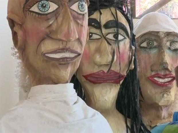 Tradição de bonecos foi retomada em 2013 (Foto: Reprodução / TV Tribuna)