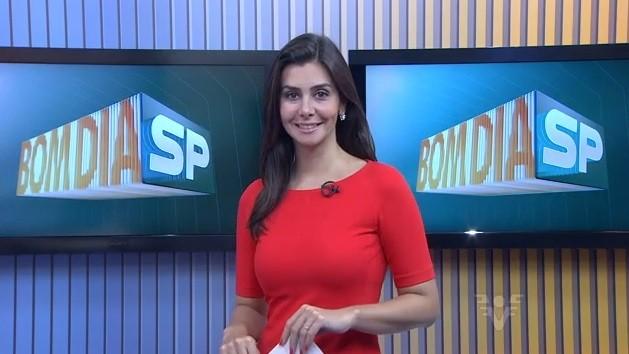 Tatyana Jorge apresentando o Bom Dia São Paulo regional (Foto: Repredução/TV Tribuna)
