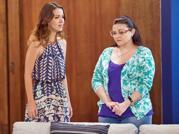 Laura e Bia ficam arrasadas com descoberta da assassina dos seus pais (Foto: Fabiano Battaglin / Gshow)