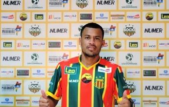 Léo Gago pede para sair do Sampaio durante preparação para 18ª rodada