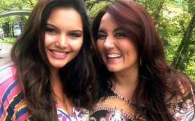 Miss Brasil Plus Size, Clo Fernandes, visita Renata Celidnio durante gravao