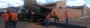 Prefeitura de Agudos realiza operação tapa-buracos nos bairros