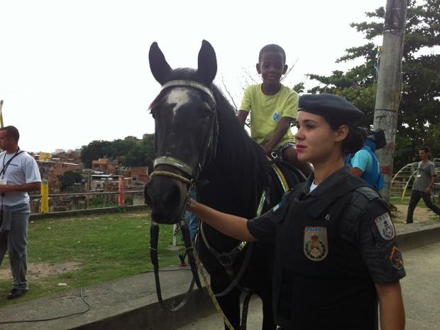 De acordo com o subcomandante, o regimento de cavalaria vai permanecer na comunidade do Lins. O RPMont também atuou na implantação da UPP no Jacarezinho, Caju e Rocinha. (Foto: Tássia Thum/G1)