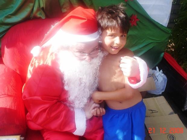 Cirley quando ainda praticava a ação como Papai Noel (Foto: Arquivo Pessoal/ Kátia Raskevicius)