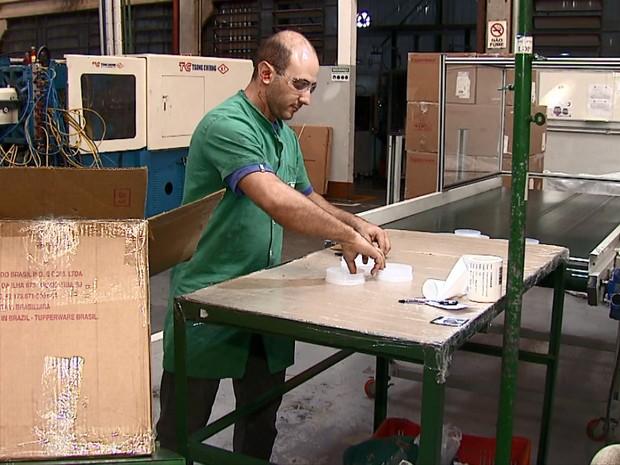 Auxiliar de produção ficou 5 meses desempregado até conseguir nova vaga (Foto: Felipe Lazzarotto/EPTV)