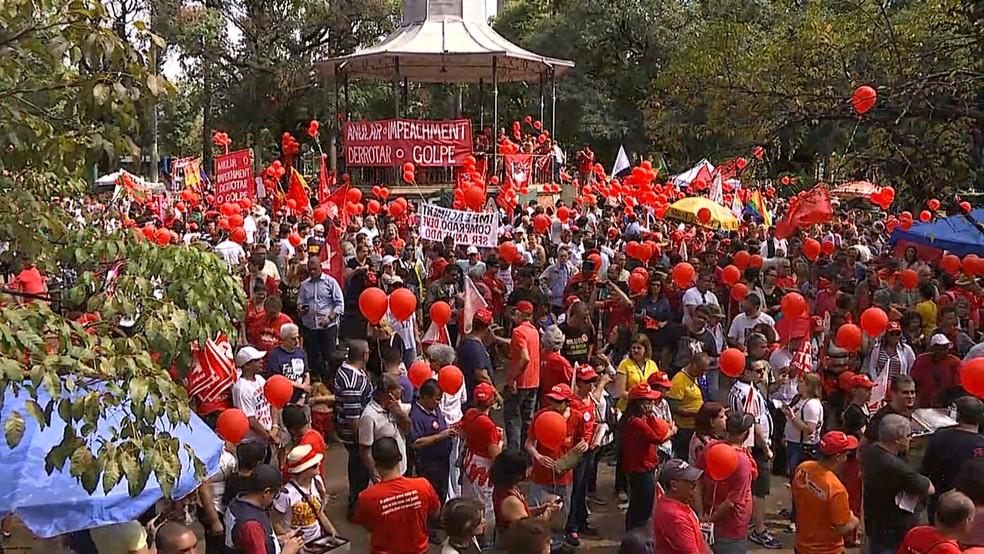 Manifestantes fazem ato em Belo Horizonte pela saída do presidente Temer e por eleições diretas  (Foto: Reprodução/ TV Globo)