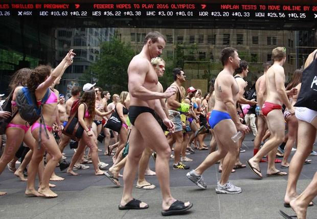 Parada 'Strut the Streets' foi realizada nesta sexta-feira em Sydney (Foto: Daniel Munoz/Reuters)