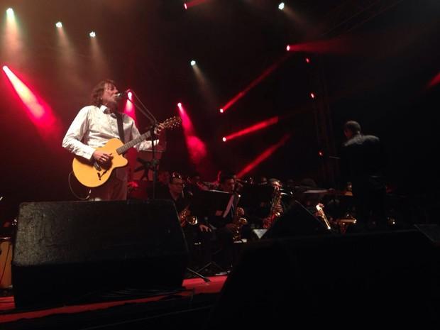 Lenine encantou o público na primeira noite do Fest Bossa & Jazz em Pipa (Foto: Nathallya Macedo)
