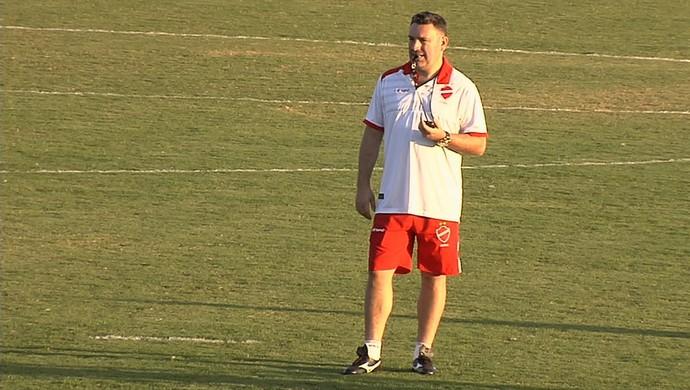 Guilherme Alves, técnico do Vila Nova (Foto: Reprodução/TV Anhanguera)