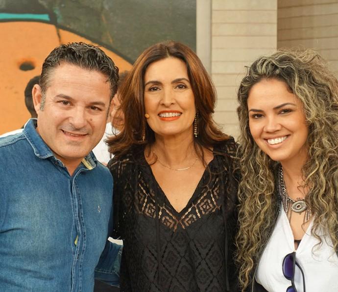 Ela com mais alguns convidados (Foto: Vinícius Cunha/Gshow)