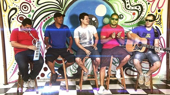 Banda 51% concorre à terceira vaga para a semifinal do 'Garagem Acústica' (Foto: TV Sergipe)