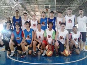 basquete sub-17 Uberaba Copa Revelar Copa Revelar 2015 (Foto: Camila Alves/ Arquivo Pessoal)