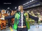 Mocidade Alegre exalta o samba com paradões e força de Ayo