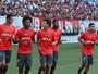 FOTOS: Mais de 2 mil torcedores vão a treino do Flamengo em Natal