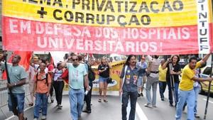 Protesto na Rio Branco (Foto: Sandrovox/Folhapress)