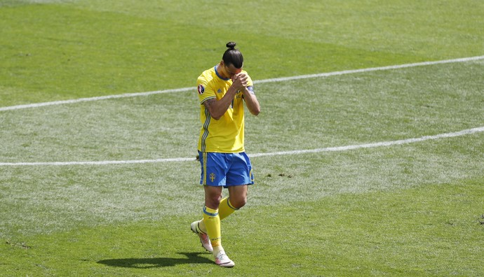 Ibrahimovic Itália Suécia Eurocopa (Foto: Reuters)