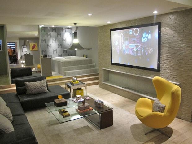 Mostra de decoração tem suíte de hotel inspirada no cantor Michel Teló (Foto: Juliana Cardilli/G1)
