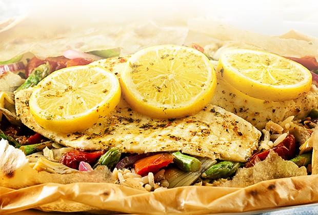 Fish in a Bag: aprenda a receita de um prato leve e saboroso com filé de tilápia