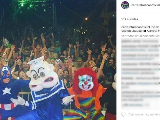 Personagens da Carreta Furacão durante show no Rio de Janeiro (Foto: Reprodução/EPTV)