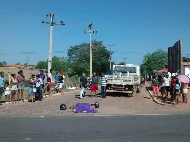 Acidente ocorreu na entrada de São João do Piauí (Foto: Magno Bonfim/TV Clube)
