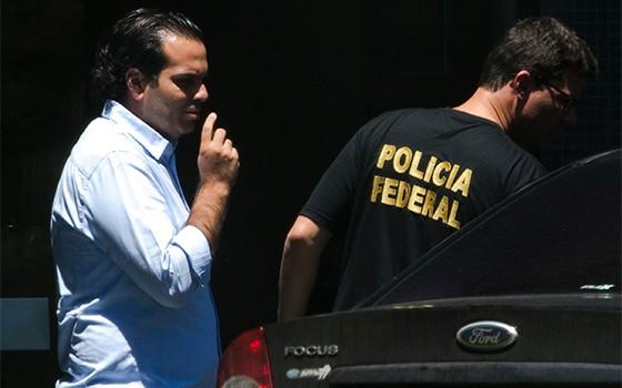 PF cumpre mandato de prisão contra Diogo Ferreira (Foto: Marcelo Camargo/Agência Brasil )