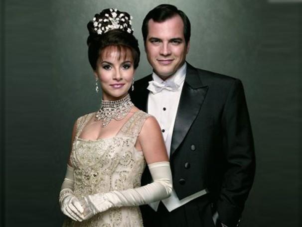 Amanda Acosta e Daniel Boaventura na versão de 2007 do musical  (Foto: Divulgação)