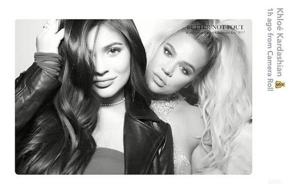 As irmãs Khloé Kardashian e Kylie Jenner durante a festa de Natal de 2017 do clã Kardashian-Jenner (Foto: Instagram)