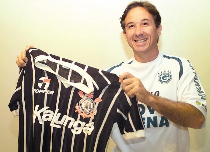 Cacau, ex-atacante do Goiás e do Corinthians (Foto: O Popular)