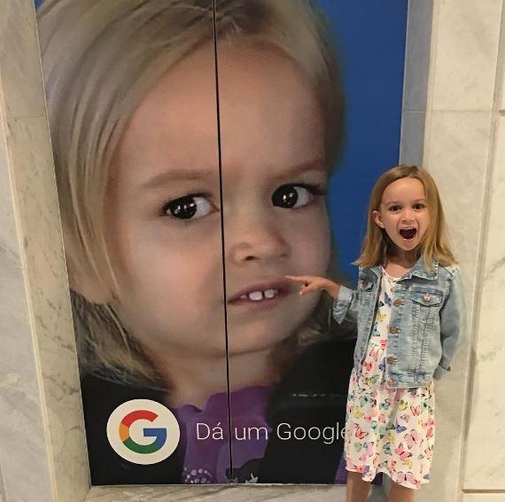 88f801795045e Chloe, do melhor meme, está no Brasil e se encontrou com a Giovanna do  forninho