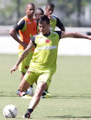 Bernardo no treino do Vasco (Foto: Marcelo Sadio / Site do Vasco)