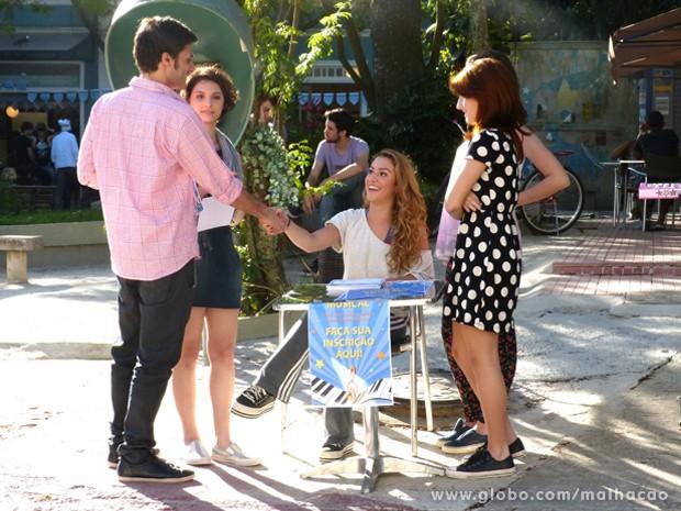 Meg aprova Martin e ele entra para o musical! (Foto: Malhação / TV Globo)