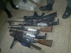 PM prende dois piratas com fuzil, submetralhadora e drogas no AM