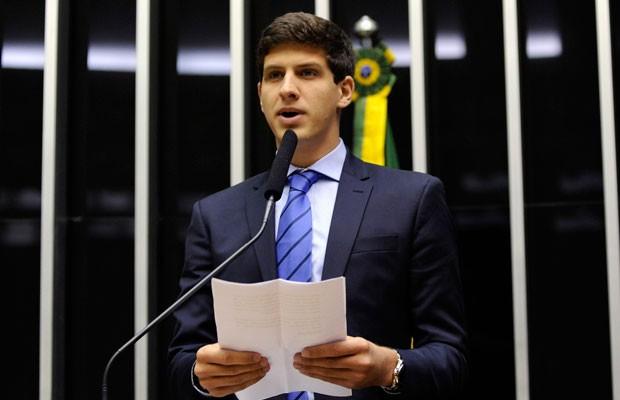 João Campos, filho de Eduardo Campos, discursa na Câmara durante sessão em homenagem ao pai (Foto: Luis Macedo / Câmara dos Deputados)