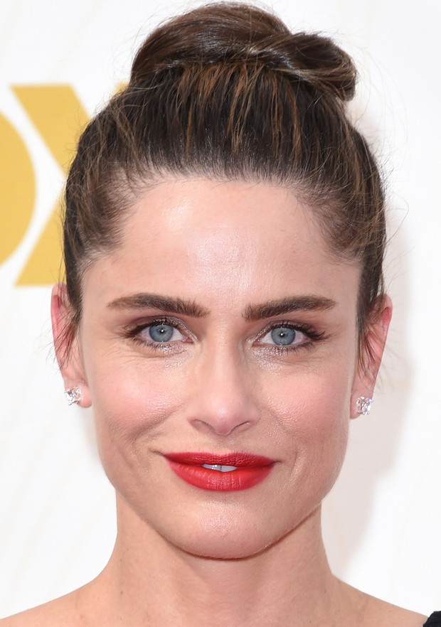 MAKE EMMY 2015 - Amanda Peet (Foto: AFP)