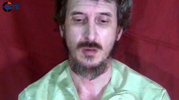 Imagem divulgada em 4 de outubro de 2012 mostra o soldado francês Denis Allex, em comunicado divulgado pelos sequestradores (Foto: Site Monitoring Service/AFP)