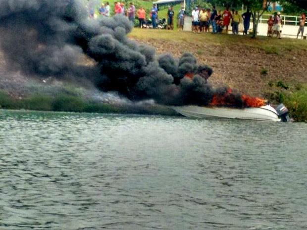 Vítimas foram levadas para o Pronto-Socorro da cidade (Foto: Ermenson Rodrigues/Panorama Notícia/Cedida)