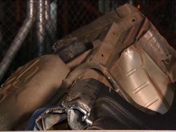 Peças de veículo também são encontradas em desmanche de carros em Hortolândia (Foto: Reprodução/EPTV)
