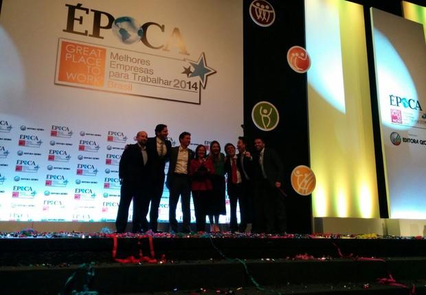 Acesso Digital recebe o GPTW 2014 como melhor empresa para trabalhar na categoria Médias Nacionais (Foto: ÉPOCA)