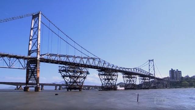 Ponte Hercílio Luz corre risco  (Foto: RBS TV/Divulgação)